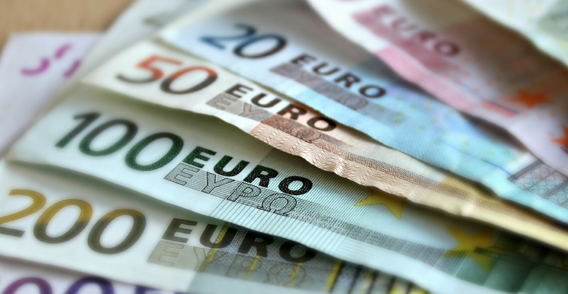 Analysing the present situation, the report stated that the external surplus remains at historically high levels, due to the strong performance of the