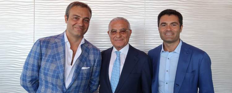 Antonio Palumbo (centre) with his two sons Giuseppe (left) and Raffaele.